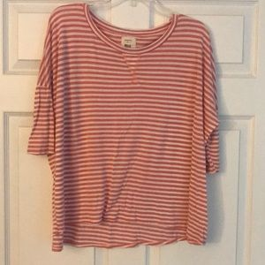 3/4 sleeve Billabong tee NWOT!